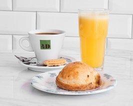 Desayuno 4D - Café + Jugo + Empanada
