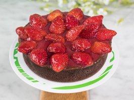 Mini Tarta de chocolate y fresas de estación