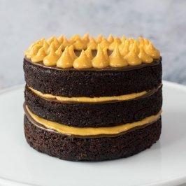 Mini Torta de chocolate con manjar de lúcuma y fudge